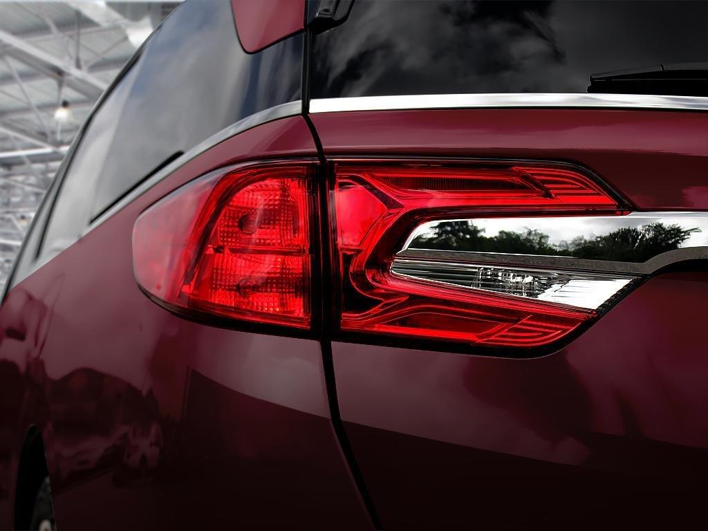 2019 Honda Odyssey Touring in Mississauga, Ontario - 11 - w1024h768px