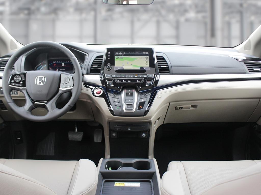 2019 Honda Odyssey Touring in Mississauga, Ontario - 22 - w1024h768px