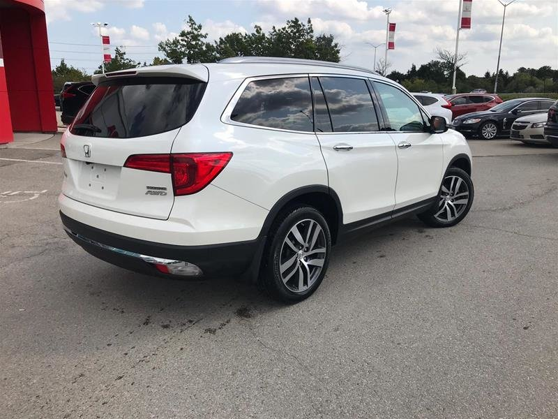 2017 Honda Pilot V6 Touring 9AT AWD in Mississauga, Ontario - 5 - w1024h768px