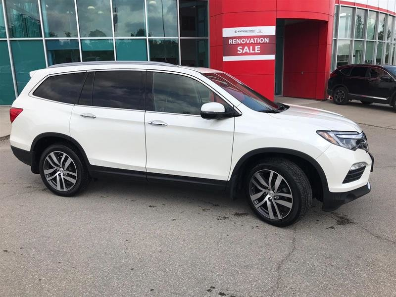 2017 Honda Pilot V6 Touring 9AT AWD in Mississauga, Ontario - 4 - w1024h768px