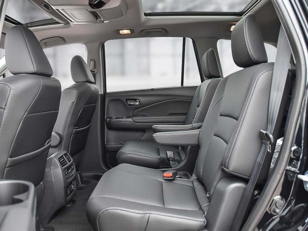 2019 Honda Pilot Touring 9AT in Mississauga, Ontario - 21 - w1024h768px