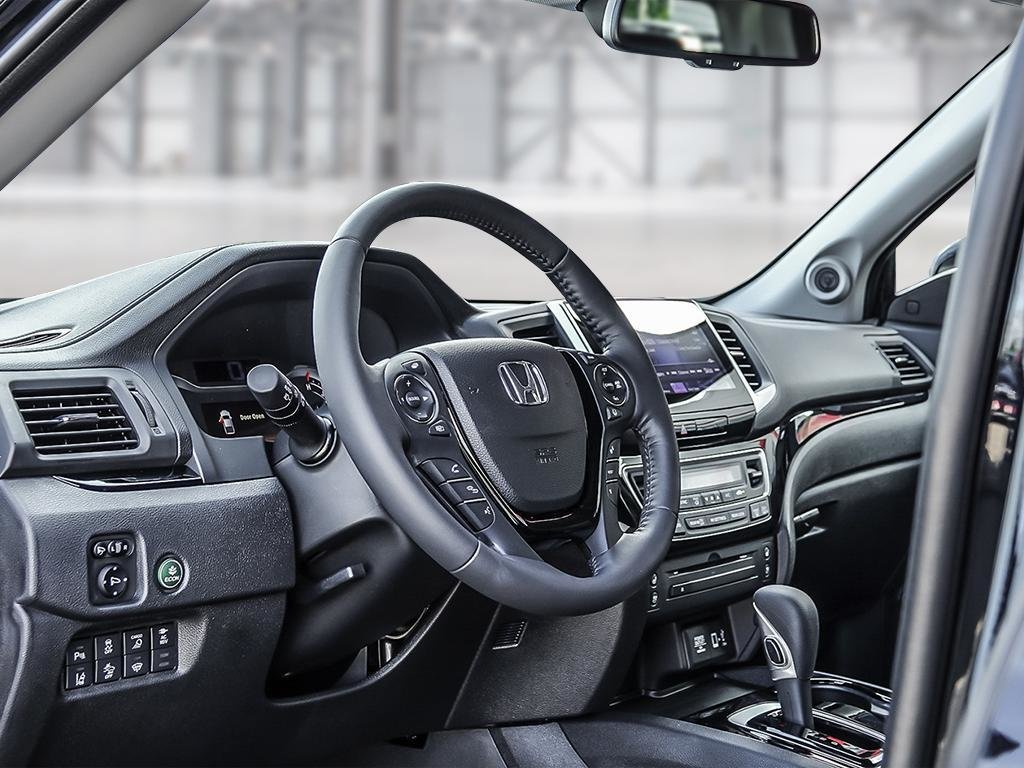 2019 Honda Ridgeline Touring in Mississauga, Ontario - 12 - w1024h768px