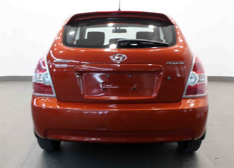 2010 Hyundai Accent 3Dr GL at in Regina, Saskatchewan - 15 - w1024h768px