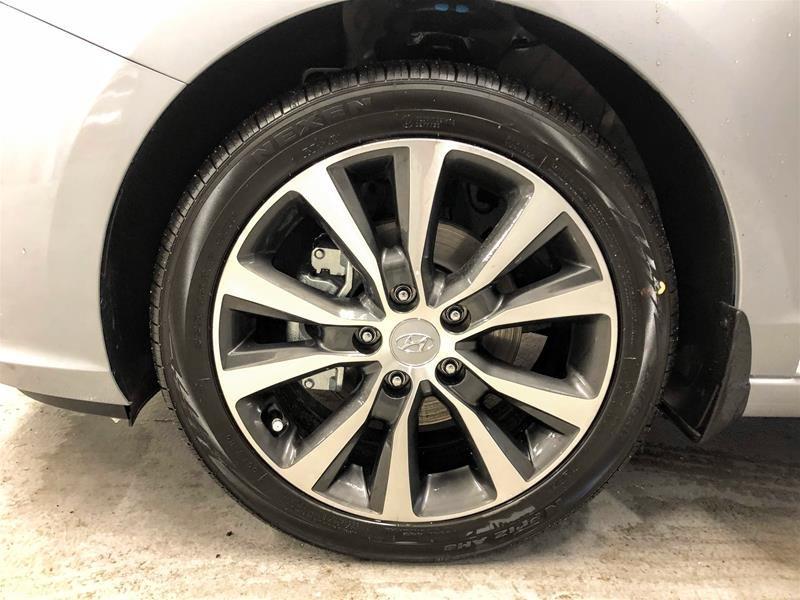 2019 Hyundai Elantra GT Luxury- at in Regina, Saskatchewan - 14 - w1024h768px