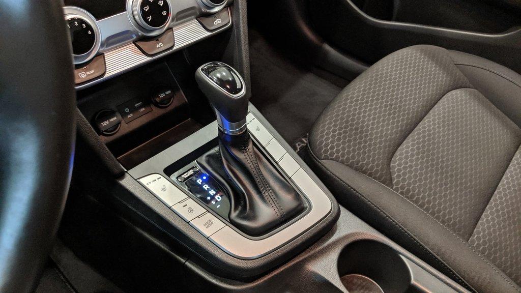 2019 Hyundai Elantra Sedan Preferred at Sun and Safety in Regina, Saskatchewan - 4 - w1024h768px