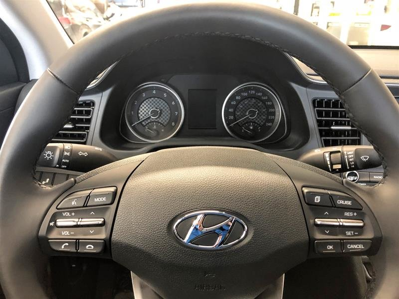 2020 Hyundai Elantra Sedan Preferred IVT in Regina, Saskatchewan - 8 - w1024h768px
