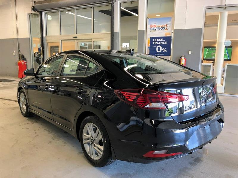 2020 Hyundai Elantra Sedan Preferred IVT in Regina, Saskatchewan - 4 - w1024h768px