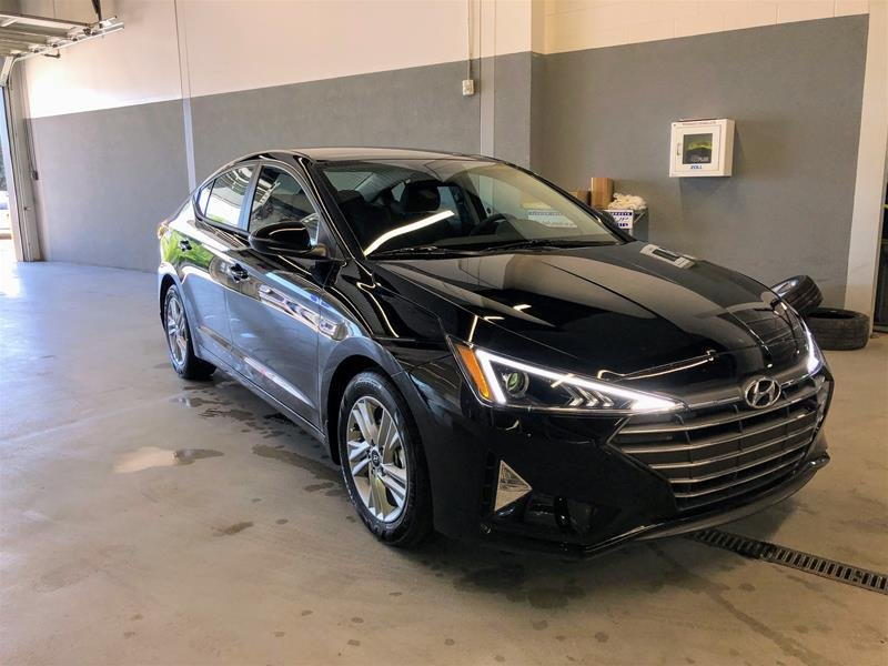 2020 Hyundai Elantra Sedan Preferred IVT in Regina, Saskatchewan - 2 - w1024h768px