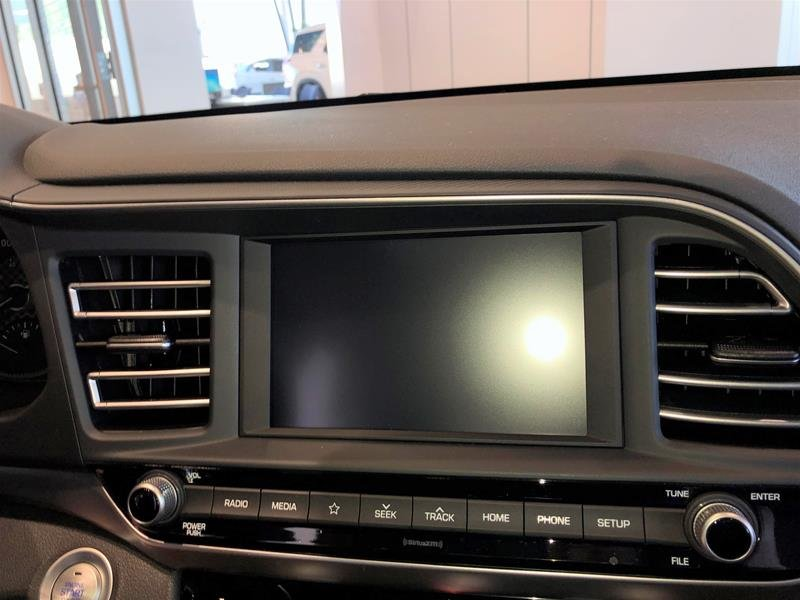 2020 Hyundai Elantra Sedan Luxury IVT in Regina, Saskatchewan - 9 - w1024h768px