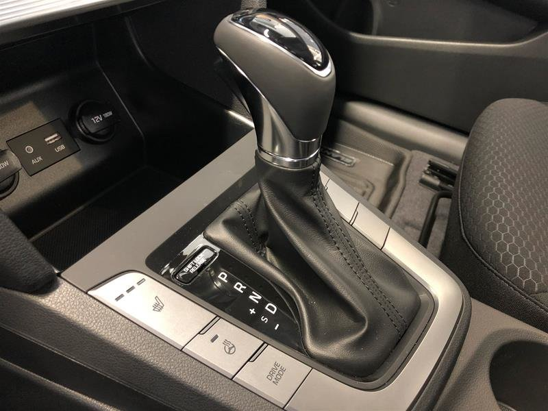 2020 Hyundai Elantra Sedan Preferred IVT in Regina, Saskatchewan - 10 - w1024h768px