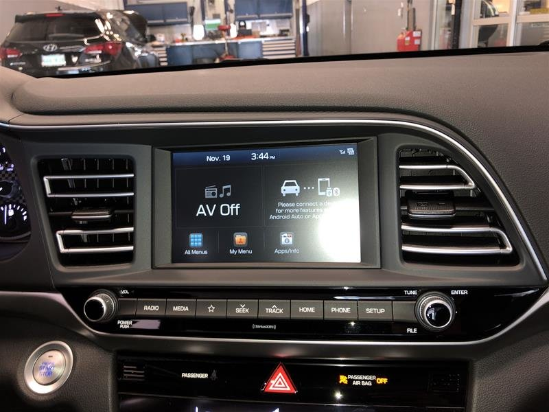 2020 Hyundai Elantra Sedan Luxury IVT in Regina, Saskatchewan - 8 - w1024h768px