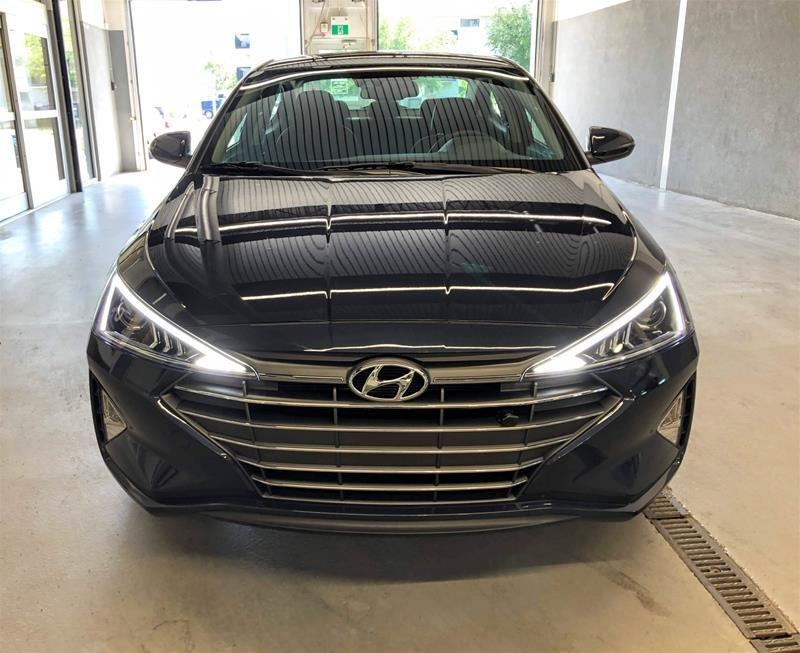 2020 Hyundai Elantra Sedan Luxury IVT in Regina, Saskatchewan - 15 - w1024h768px