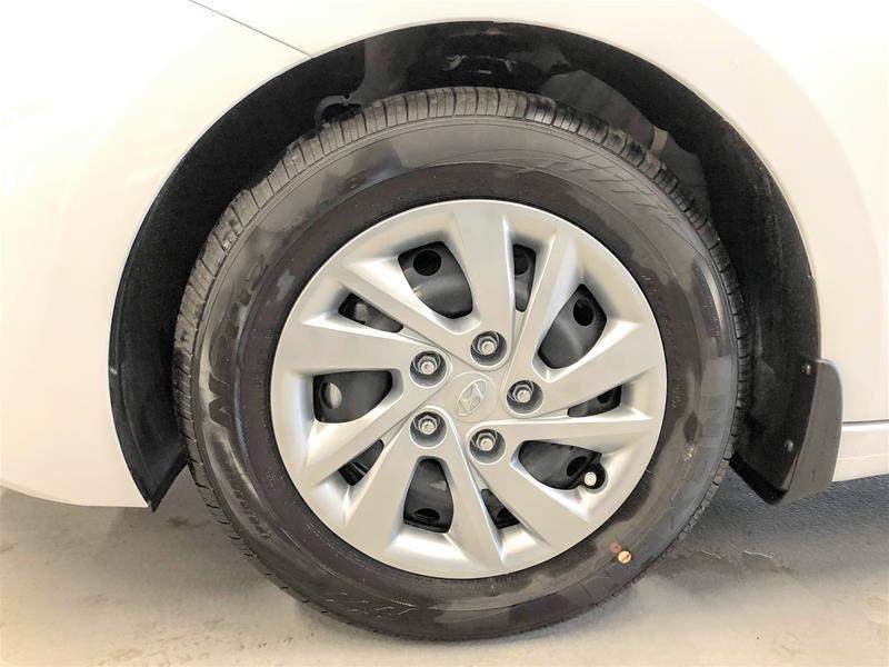 2020 Hyundai Elantra Sedan Essential IVT in Regina, Saskatchewan - 11 - w1024h768px