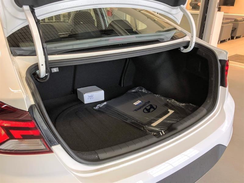 2020 Hyundai Elantra Sedan Essential IVT in Regina, Saskatchewan - 10 - w1024h768px