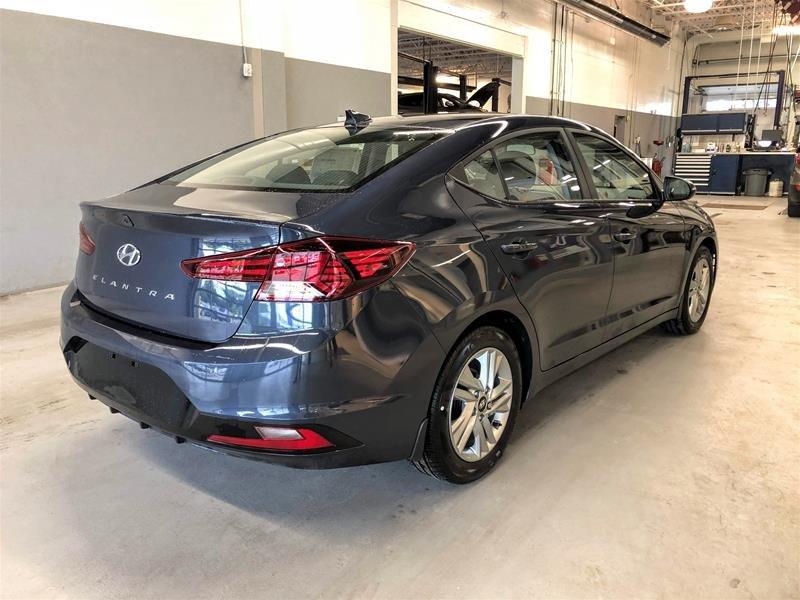 2020 Hyundai Elantra Sedan Preferred IVT Sun and Safety in Regina, Saskatchewan - 3 - w1024h768px