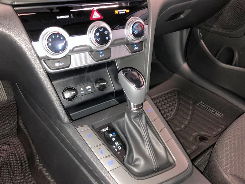 2020 Hyundai Elantra Sedan Preferred IVT Sun and Safety in Regina, Saskatchewan - 10 - w1024h768px