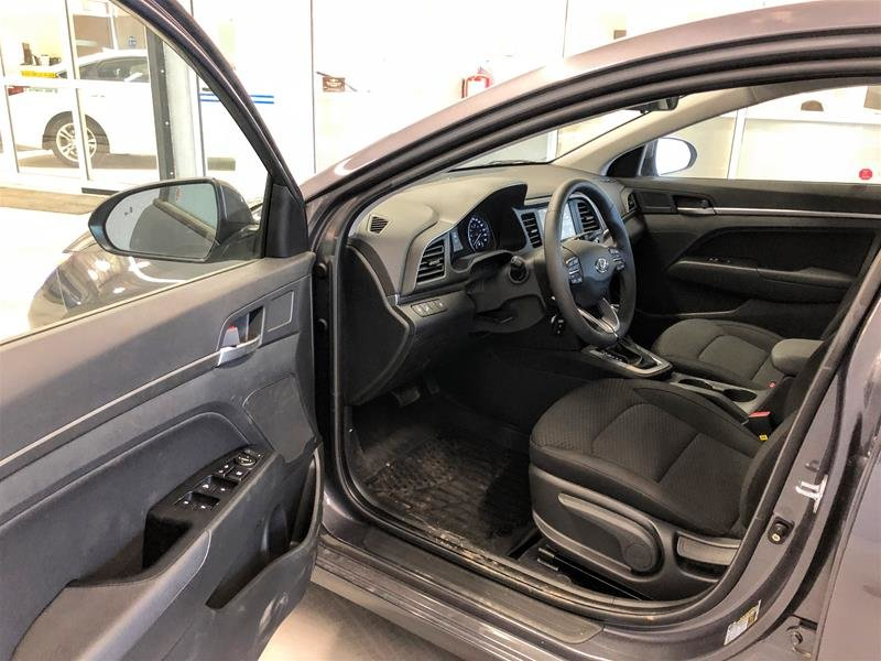2020 Hyundai Elantra Sedan Preferred IVT Sun and Safety in Regina, Saskatchewan - 5 - w1024h768px