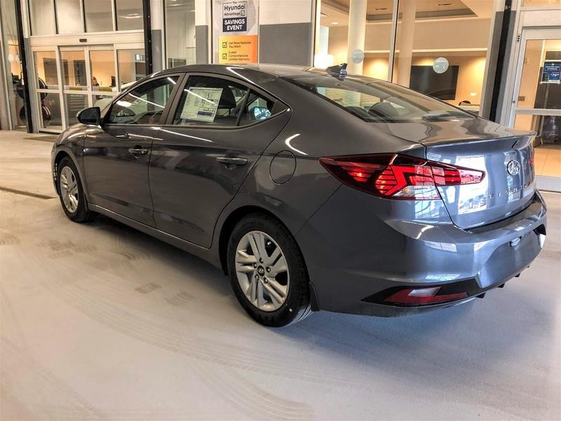2020 Hyundai Elantra Sedan Preferred IVT Sun and Safety in Regina, Saskatchewan - 4 - w1024h768px