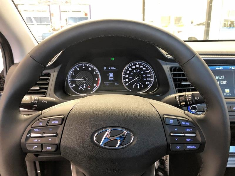 2020 Hyundai Elantra Sedan Preferred IVT Sun and Safety in Regina, Saskatchewan - 7 - w1024h768px
