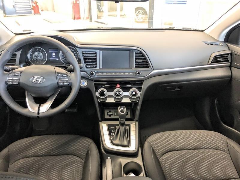 2020 Hyundai Elantra Sedan Preferred IVT Sun and Safety in Regina, Saskatchewan - 8 - w1024h768px