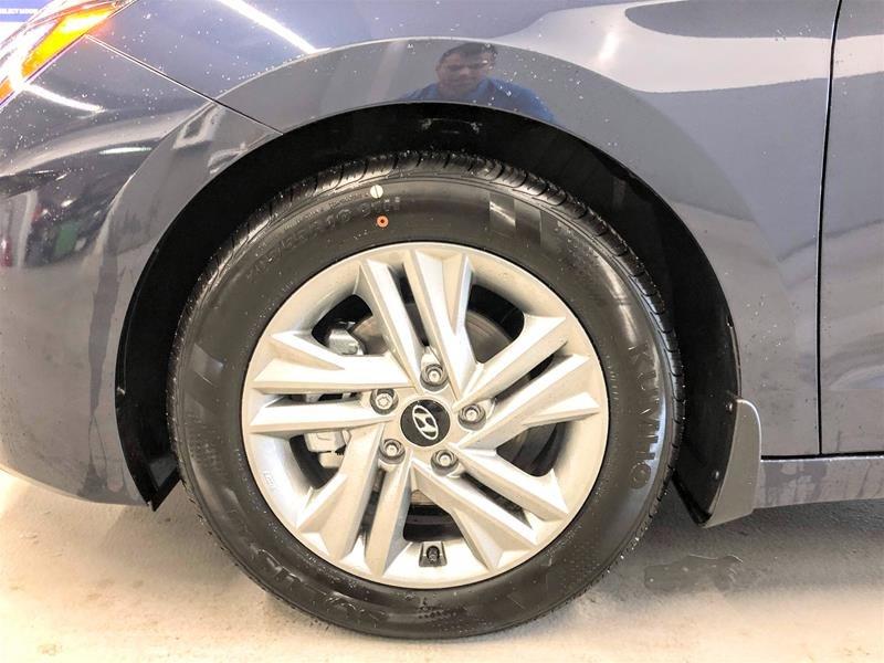 2020 Hyundai Elantra Sedan Preferred IVT Sun and Safety in Regina, Saskatchewan - 14 - w1024h768px