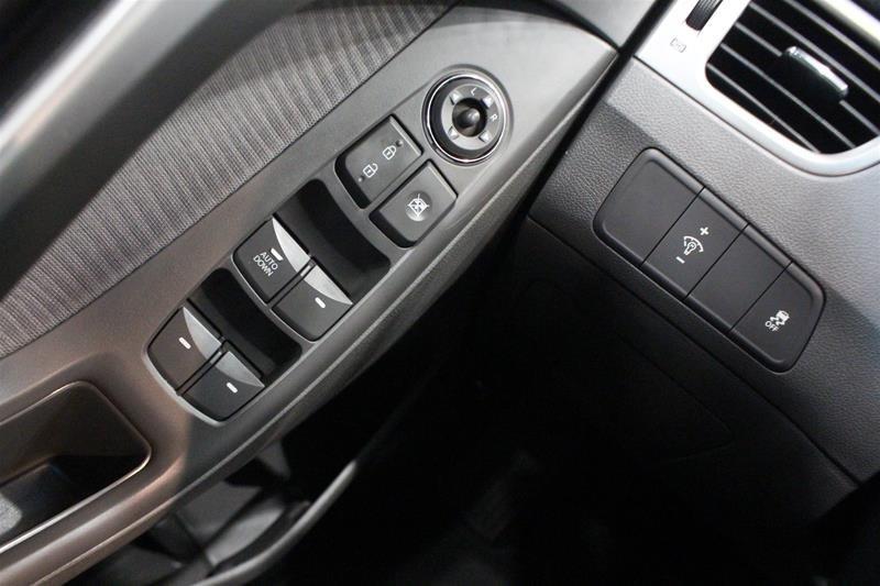 2011 Hyundai Elantra GLS at in Regina, Saskatchewan - 3 - w1024h768px