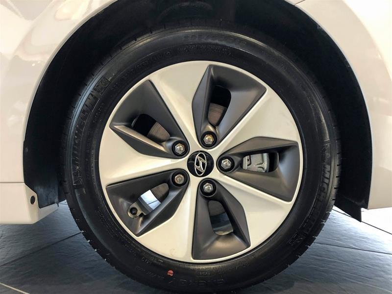 2019 Hyundai Ioniq Electric ULTIMATE w/ White Ext. in Regina, Saskatchewan - 10 - w1024h768px