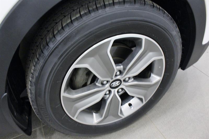 2013 Hyundai Santa Fe XL 3.3L AWD Luxury in Regina, Saskatchewan - 18 - w1024h768px