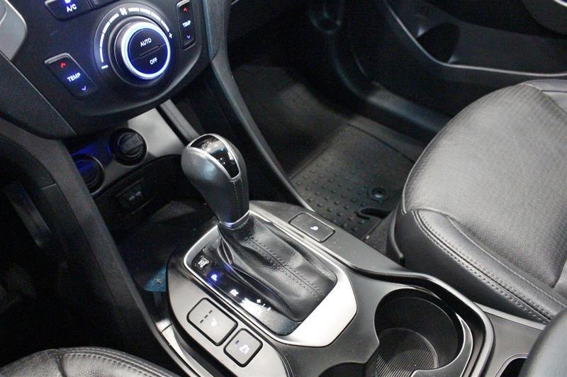 2013 Hyundai Santa Fe XL 3.3L AWD Luxury in Regina, Saskatchewan - 4 - w1024h768px