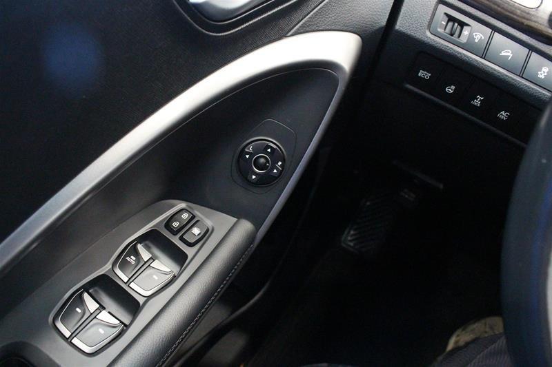 2014 Hyundai Santa Fe XL 3.3L AWD Premium in Regina, Saskatchewan - 3 - w1024h768px