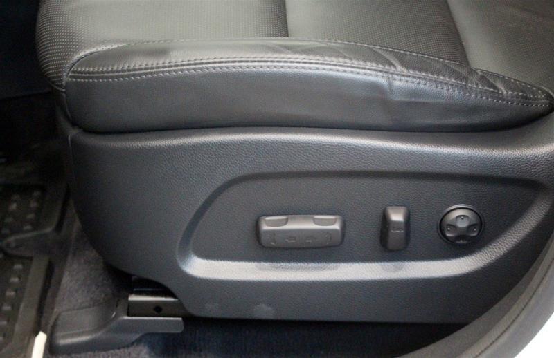 2017 Hyundai Santa Fe XL AWD Limited in Regina, Saskatchewan - 11 - w1024h768px