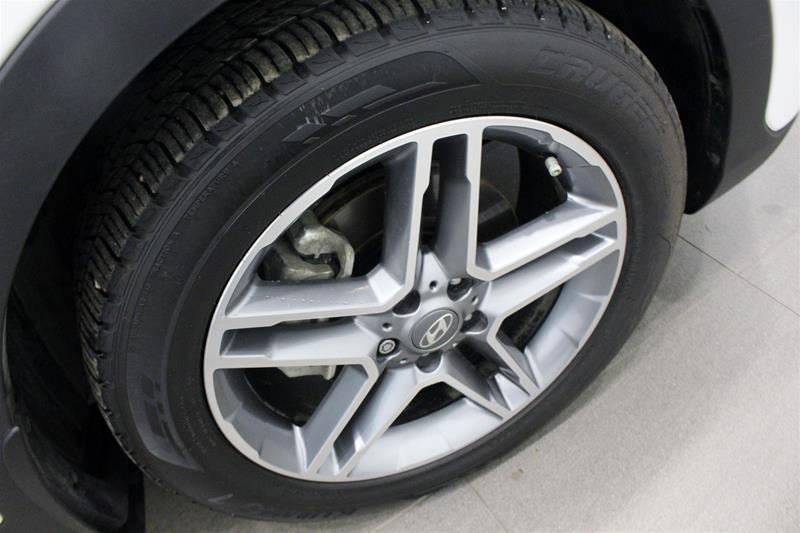 2017 Hyundai Santa Fe XL AWD Limited in Regina, Saskatchewan - 18 - w1024h768px