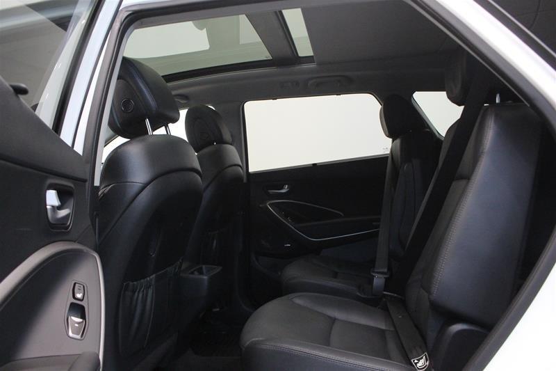 2017 Hyundai Santa Fe XL AWD Limited in Regina, Saskatchewan - 12 - w1024h768px
