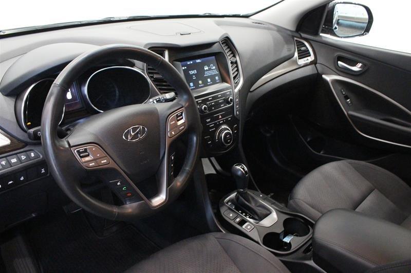 2019 Hyundai Santa Fe XL AWD Essential in Regina, Saskatchewan - 9 - w1024h768px