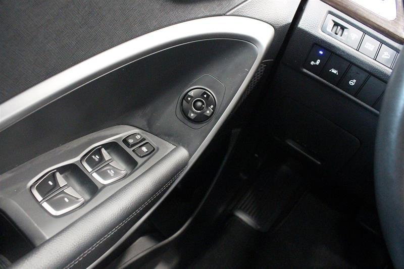 2019 Hyundai Santa Fe XL AWD Essential in Regina, Saskatchewan - 3 - w1024h768px