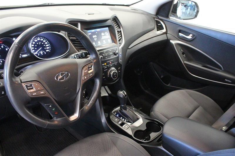 2019 Hyundai Santa Fe XL AWD Preferred in Regina, Saskatchewan - 9 - w1024h768px