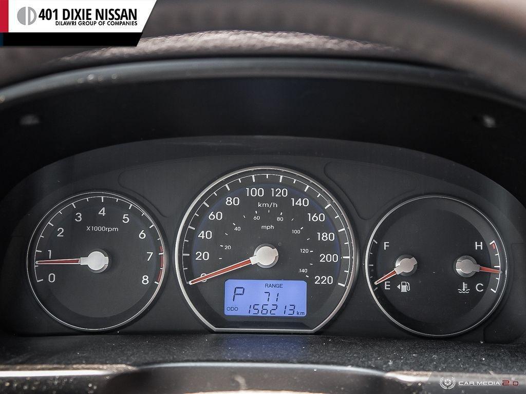 2010 Hyundai Santa Fe GL 3.5L V6 AWD at in Mississauga, Ontario - 13 - w1024h768px