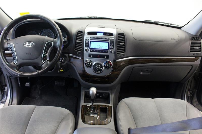 2012 Hyundai Santa Fe GL 3.5L V6 AWD at in Regina, Saskatchewan - 12 - w1024h768px
