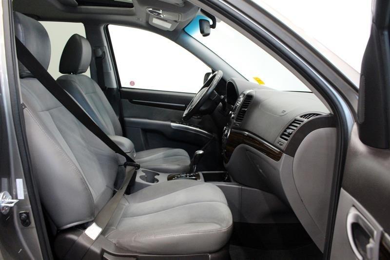 2012 Hyundai Santa Fe GL 3.5L V6 AWD at in Regina, Saskatchewan - 15 - w1024h768px