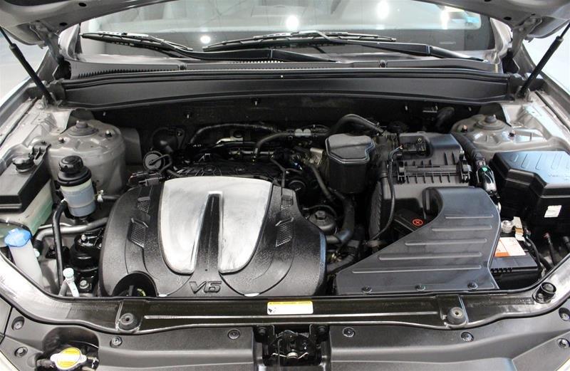 2012 Hyundai Santa Fe GL 3.5L V6 AWD at in Regina, Saskatchewan - 18 - w1024h768px