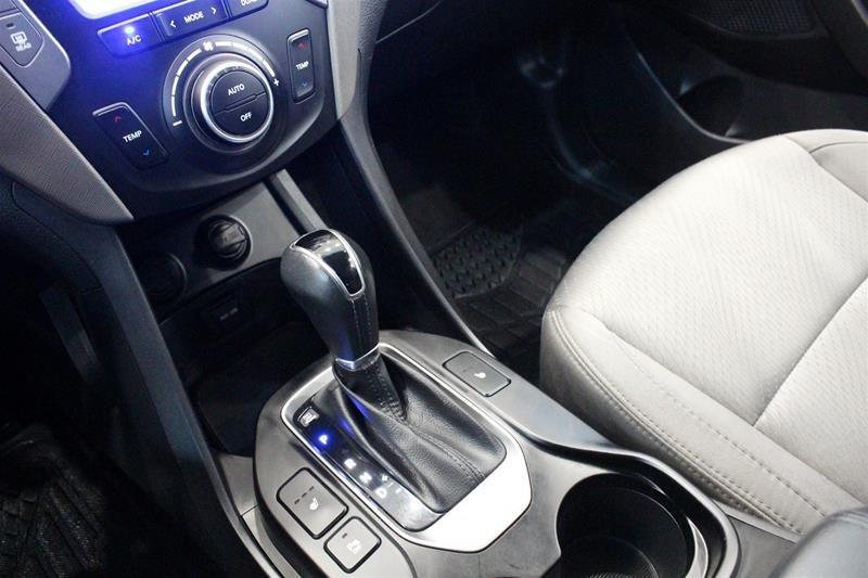 2013 Hyundai Santa Fe 2.4L AWD Premium in Regina, Saskatchewan - 4 - w1024h768px