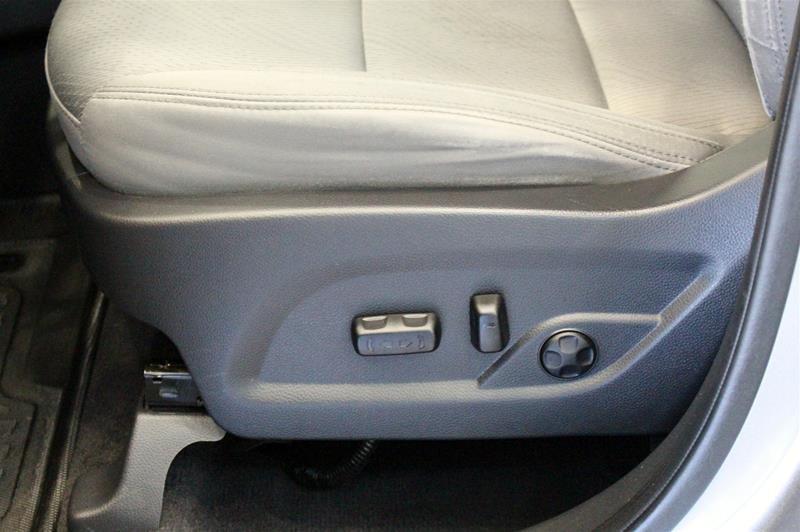 2013 Hyundai Santa Fe 2.4L AWD Premium in Regina, Saskatchewan - 11 - w1024h768px