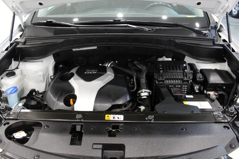 2013 Hyundai Santa Fe 2.0T AWD Premium in Regina, Saskatchewan - 18 - w1024h768px
