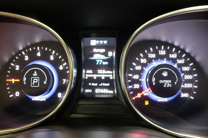 2013 Hyundai Santa Fe 2.0T AWD Premium in Regina, Saskatchewan - 2 - w1024h768px