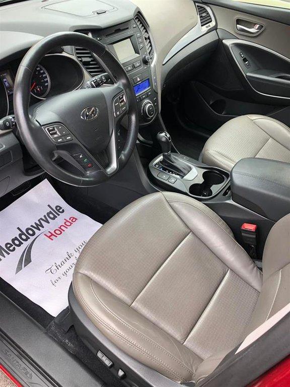 2013 Hyundai Santa Fe 2.4L AWD Luxury in Mississauga, Ontario - 9 - w1024h768px