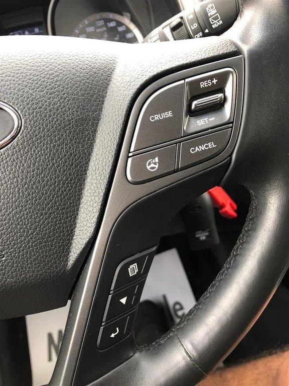 2013 Hyundai Santa Fe 2.4L AWD Luxury in Mississauga, Ontario - 28 - w1024h768px