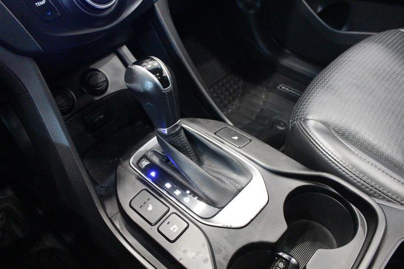 2013 Hyundai Santa Fe 2.0T AWD Limited in Regina, Saskatchewan - 4 - w1024h768px