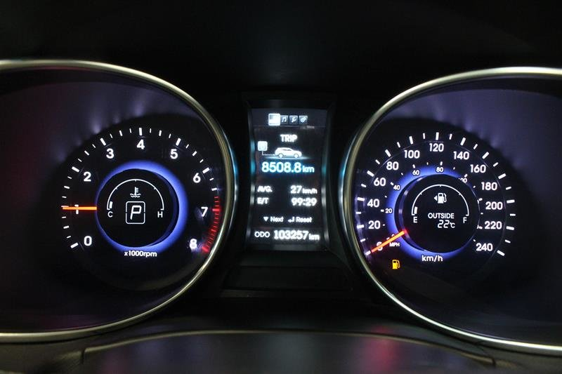2013 Hyundai Santa Fe 2.0T AWD Limited in Regina, Saskatchewan - 2 - w1024h768px