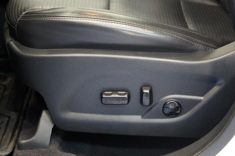 2013 Hyundai Santa Fe 2.0T AWD Limited in Regina, Saskatchewan - 11 - w1024h768px