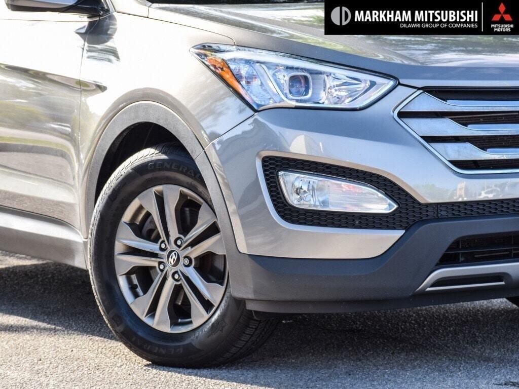 2013 Hyundai Santa Fe 2.4L FWD in Markham, Ontario - 7 - w1024h768px